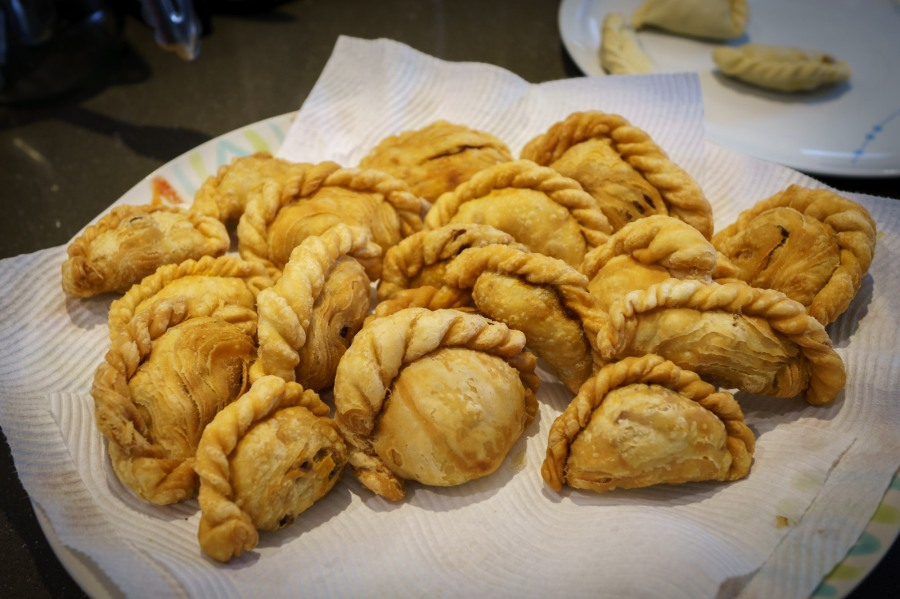 Malaysian Chicken Curry Puffs a.k.a Karipap Pusing